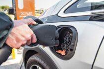 Le auto elettriche e la domanda del petrolio
