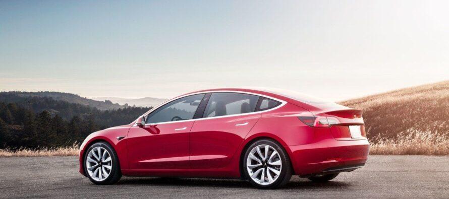 Record della Tesla con 500mila auto