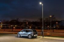 La ricarica dell'auto elettrica … al lampione