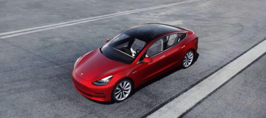 """Tesla e il """"richiamo"""" di 285mila auto tra Model 3 e Model Y"""