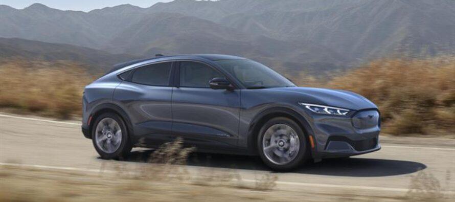 Tesla e l'evoluzione del mercato delle auto elettriche